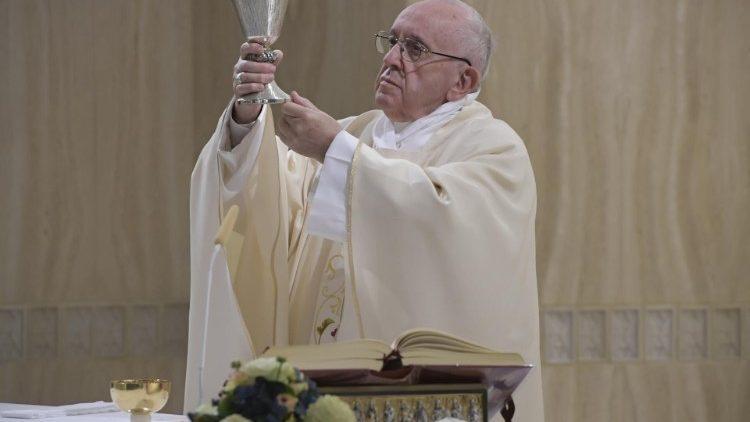 Đức Thánh Cha: Quảng đại giúp mở rộng con tim