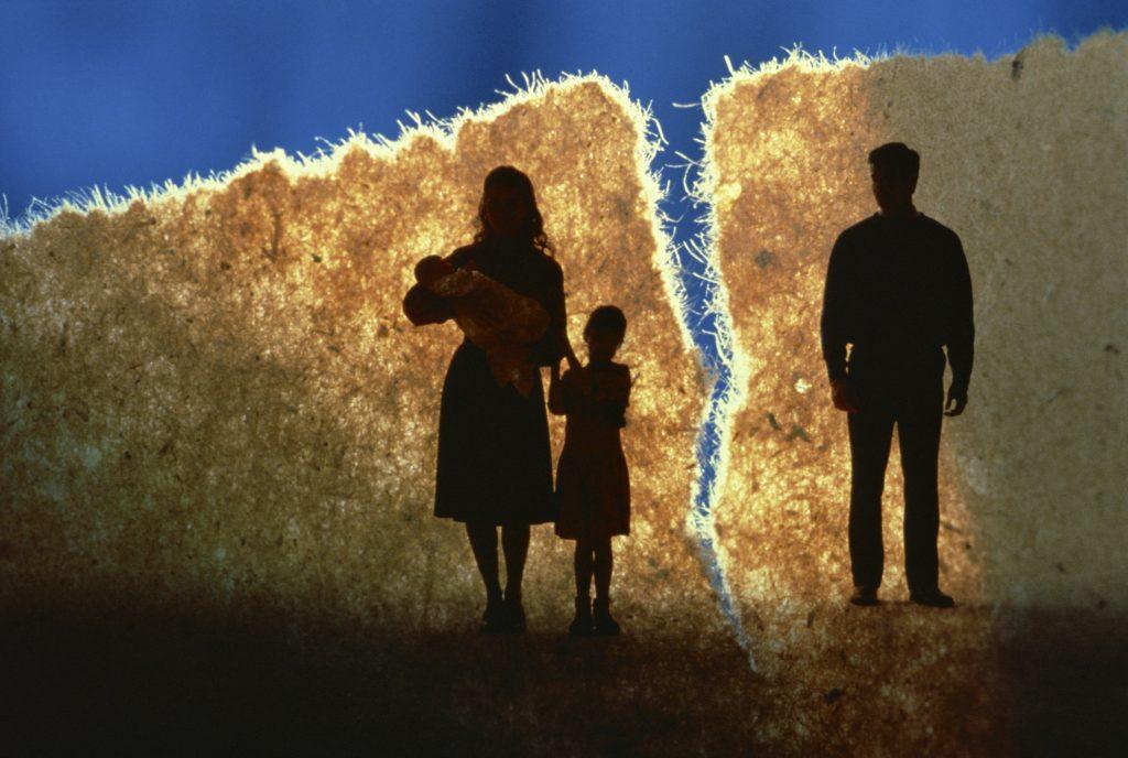 Cấm ly dị là vô nhân đạo?