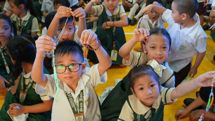 Một triệu trẻ em đọc kinh Mân Côi vì hiệp nhất và hòa bình