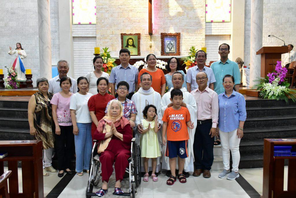 Mừng kỷ niệm 8 năm Hồng Ân Linh mục cha Martino Bùi Huy Hòa