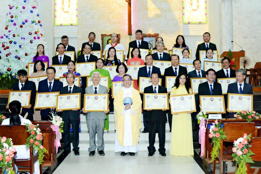 Thánh Lễ trao Ủy Nhiệm Thư HĐMV Giáo Xứ nhiệm kỳ 2020-2024