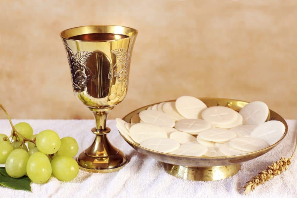 Ủy ban Phụng Tự giải thích về rước Mình Thánh Chúa trong hoàn cảnh hiện nay